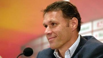 Ван Бастен предлагает «футбольные буллиты»