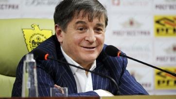 Осман Кадиев рассказал, как бывший владелец «Анжи» заставил его принять руководство клубом