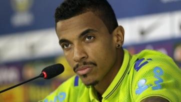 «Милан» и «Ювентус» поборются за Луиса Густаво