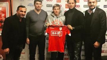 Официально: «Днепрянин» Лучкевич продолжит карьеру в «Стандарде»
