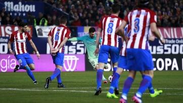 «Барселона» выиграла у «Атлетико» в первом полуфинальном матче Кубка Испании