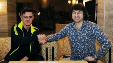 Официально: молодой вратарь ЦСКА ушёл в «Анжи»