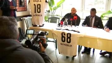 Экс-игрок сборной Бельгии возобновил карьеру в ДР Конго