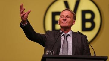 Фанаты дортмундской «Боруссии» угрожают расправой директору клуба Ватцке