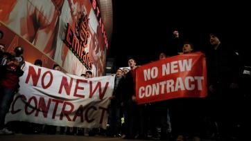 Фанаты «Арсенала» требуют отставки Венгера