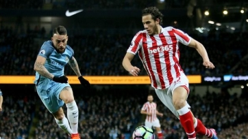 «Манчестер Сити» не сумел переиграть в домашнем матче «Сток Сити»