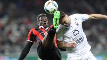 «Ницца» с трудом спаслась от поражения в игре с «Каном», Балотелли забил гол