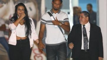 Бразильский вратарь, осуждённый в 2010-м году за зверское убийство девушки на 22 года, освободился и вернулся в футбол