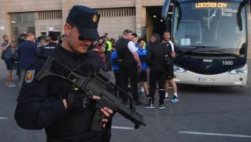 The Telegraph: болельщики «Лестера» бросали бутылки в мадридских полицейских
