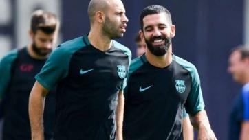 Football Espana: Летом «Барселона» расстанется с Матьё, Маскерано и Тураном