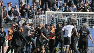 Трое футболистов «Лиона» обратились в полицию