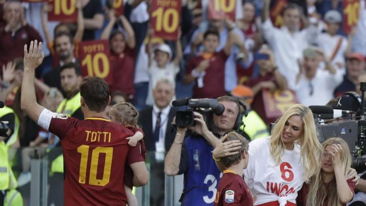 Сегодня Рим утонул в слезах. Франческо Тотти покинул «Рому»
