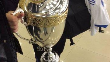В «Динамо» раскрутили Кубок за победу в ФНЛ, чтобы выпить из трофея