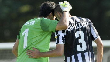 Кьеллини считает, что Буффон проводит сезон на уровне с Роналду и Месси