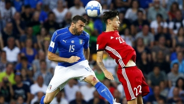 Испания и Италия добились побед в преддверии очной встречи