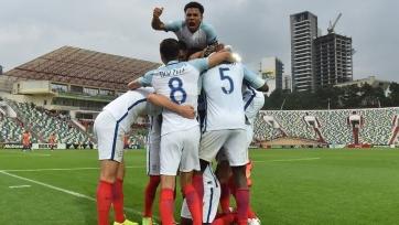 Молодежные сборные Англии и Нидерландов вышли в полуфинал ЧЕ