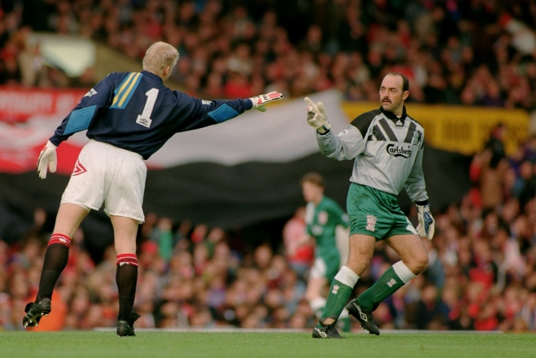 Прежде чем стать вратарём, он отправил на тот свет двадцать человек. История легенды «Ливерпуля»