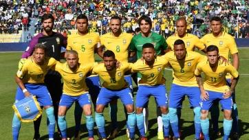 Боливиец сфотографировался со сборной Бразилии вместо своей команды