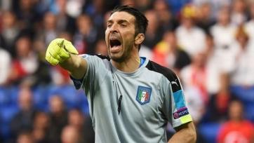 Джанлуиджи Буффон представил новую форму сборной Италии (фото)