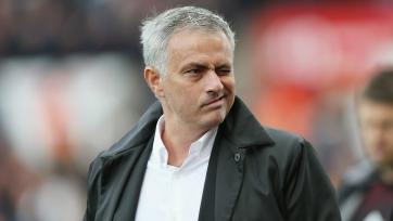 «Манчестер Юнайтед» предложит Моуринью новый контракт