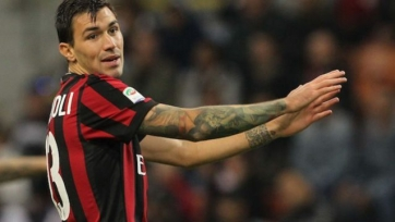 Романьоли рассказал, кому из форвардов «Милана» сложнее противостоять