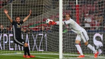 «Манчестер Юнайтед» переиграл «Бенфику» благодаря глупой ошибке вратаря