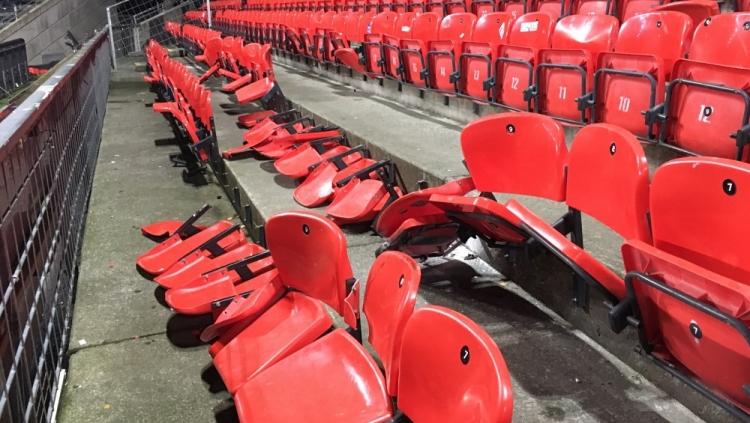 Фанаты «Зенита» разгромили сектор на стадионе «Русенборга» (фото)