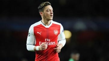 Озил хочет десятый номер в «Арсенале» и увеличения зарплаты