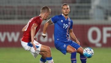 Скаут «МЮ» прилетел не в ту страну, так и не посетив игру Исландия-Чехия