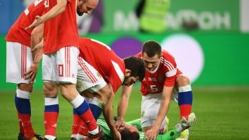 Лунёв получил травму в игре с испанцами