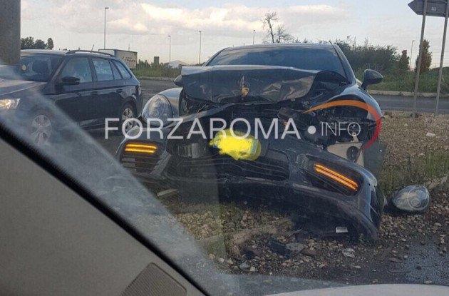 Один из лидеров «Ромы» угодил в ужасную аварию (фото)