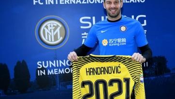 Официально: Ханданович подписал новый контракт с «Интером»