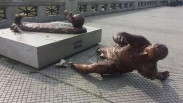 Статую Месси в Буэнос-Айресе снова разрушили