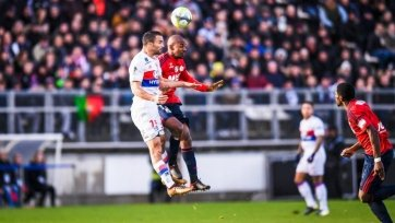 «Лион» на выезде вырвал победу в матче с «Амьеном»