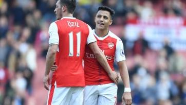 Алан Смит: «Победа в Лиге Европы не удержит Озила и Алексиса в «Арсенале»