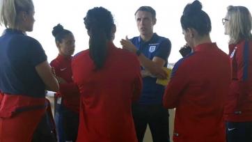 Официально: Фил Невилл возглавил женскую английскую сборную