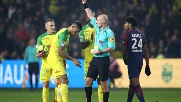 Судья, ударивший футболиста во Франции, получил длительную дисквалификацию