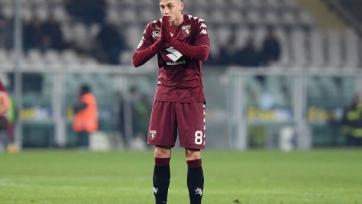 «Милан» включился в борьбу за Базелли