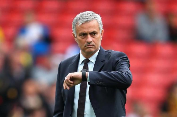 «Манчестер Юнайтед» вернул второе место. Но у клуба серьёзные проблемы