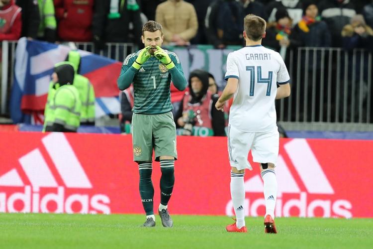 Россия разгромно проиграла Бразилии. Блестящий футбол сборной Черчесова