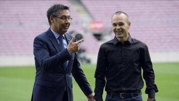 Руководство «Барселоны» попытается уговорить Иньесту остаться в команде на следующий сезон