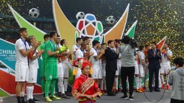 Гол Кавани принёс Уругваю Кубок Китая