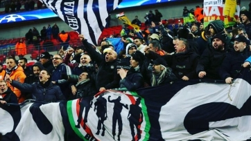 Тифози «Ювентуса» атаковали микроавтобус «Милана» (видео)