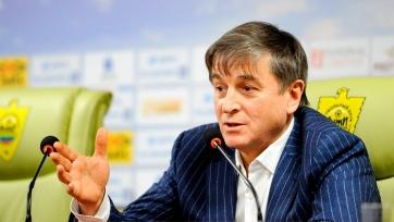 Президент «Анжи» выразил странное мнение о работе судьи на игре со «Спартаком»