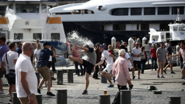 Российские и аргентинские хулиганы в Буэнос-Айресе обсудят план по избиению англичан