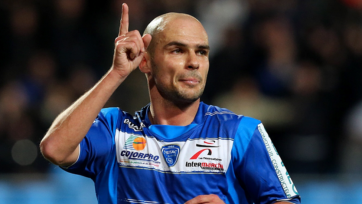 41-летний футболист забил в Лиге 1