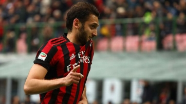 «Милан» потерял Чалханоглу