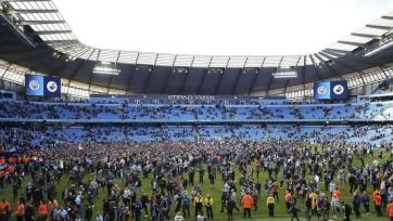 Гвардиола поддержал фанатов «Сити», которые выбежали на поле