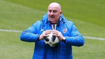Черчесов входит в топ-5 самых высокооплачиваемых тренеров Чемпионата мира