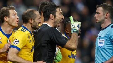 УЕФА открыл дело против Буффона из-за конфликта с Оливером
